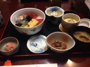 1500円の海鮮丼定食