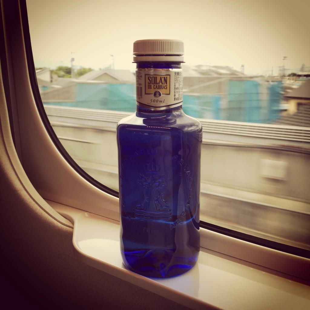 スペインの青いボトル