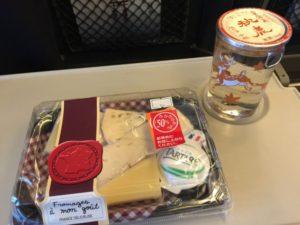 ワンカップとチーズ