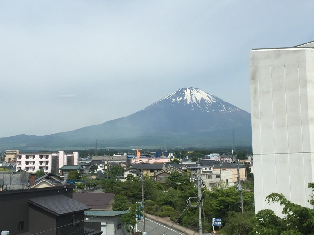 御殿場市民会館から見た富士山