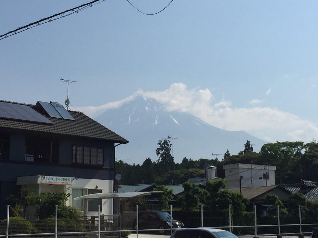 富士宮市民文化会館から見た富士山