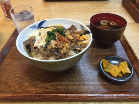 カレッタ・飛騨の飛騨牛すき焼き玉子とじ丼
