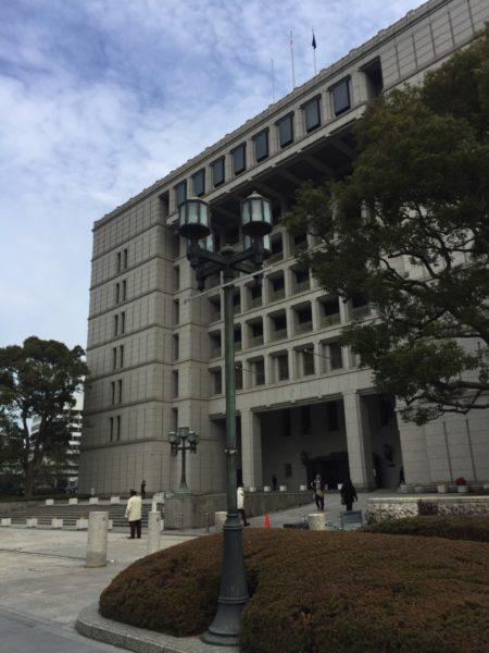 大阪市役所正面玄関