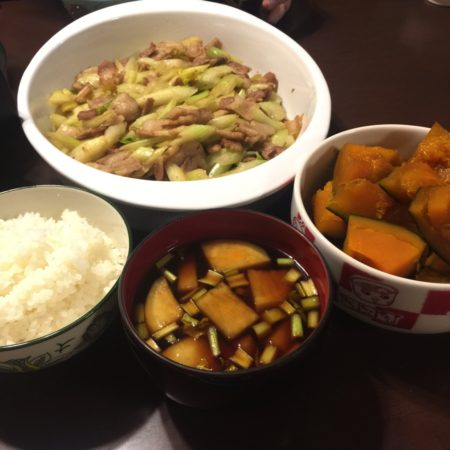 豚バラとセロリの炒め物にかぼちゃの煮付け