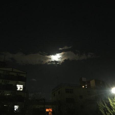 月と木星と龍のような雲と