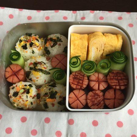 今日から幼稚園のお弁当が始まりました