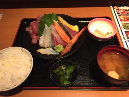 久しぶりに神戸元町で海鮮をいただきました