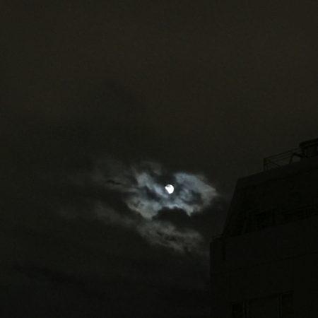 水瓶座の満月と月食